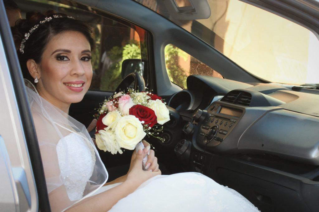 Novia en el carro El Palmar Santa Ana
