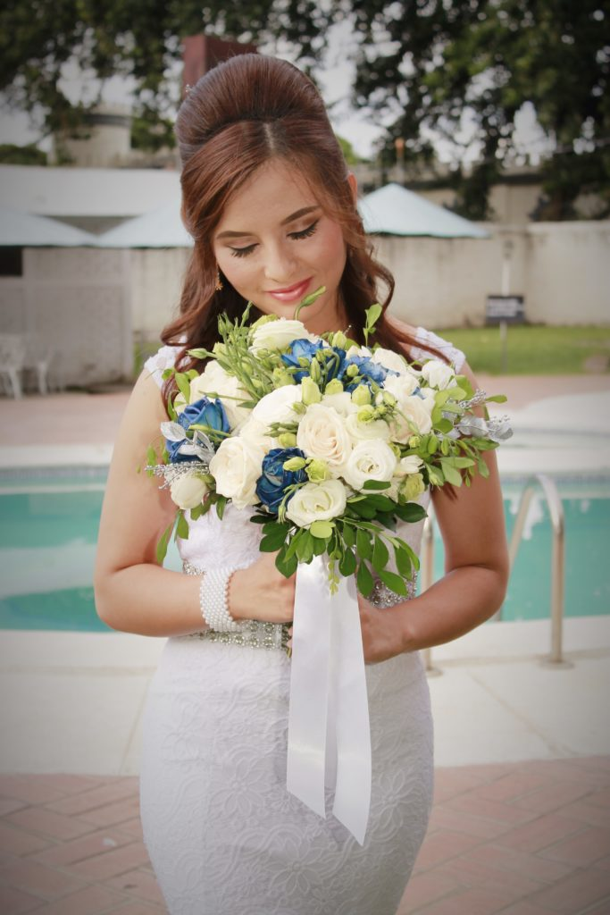 Novia antes de la boda en el Cuartel Santa Ana