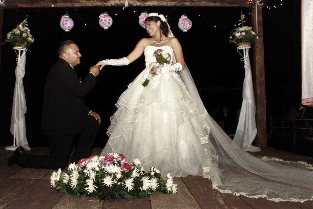 Sesión de fotos de pareja Lago de Coatepeque